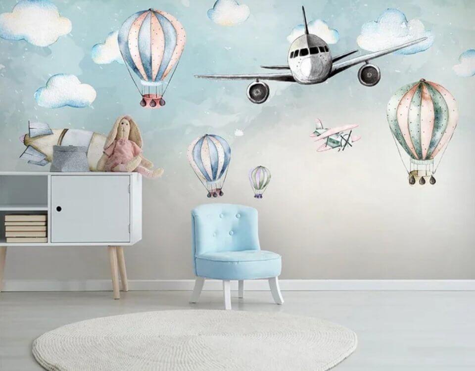 Детские фотообои с самолетом и воздушными шарами.