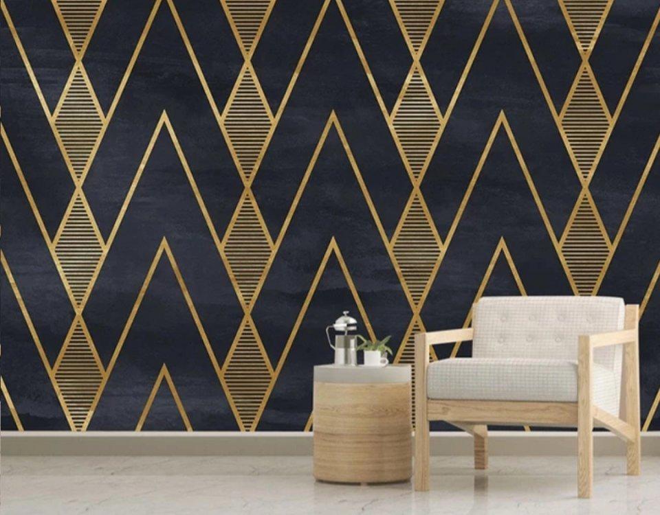 Обои с золотом для стен всегда неоднотонны, так как сплошное золотое полотно выглядит монотонно и теряет большую часть своей прелести.