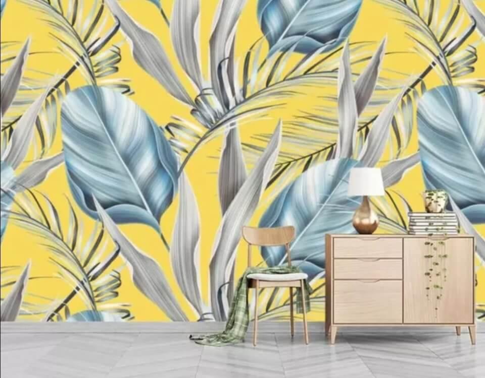 листья пальмы на желтом фоне. обои с пальмовыми листьями