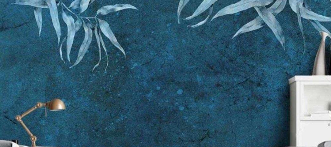 фрески лофт. ветви обои штукатурка синий фон