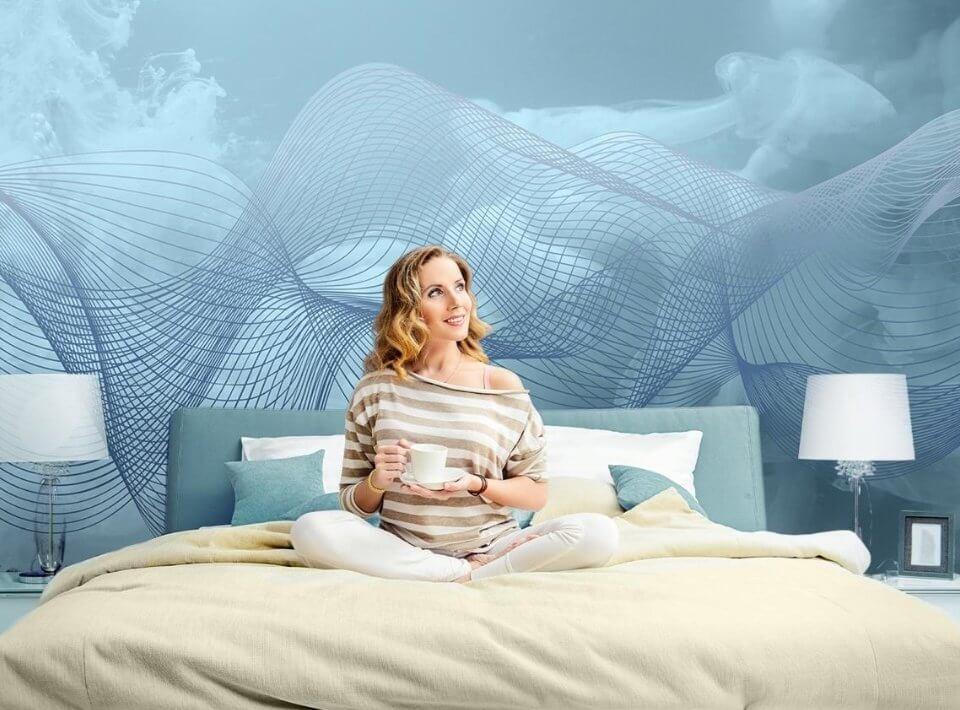 фотообои голубые для спальни. фотообои нежные нити на светлом фоне